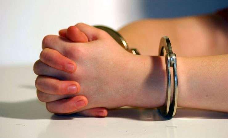 Недитячі забавки: троє хлопчаків скоїли кілька злочинів в Ужгороді