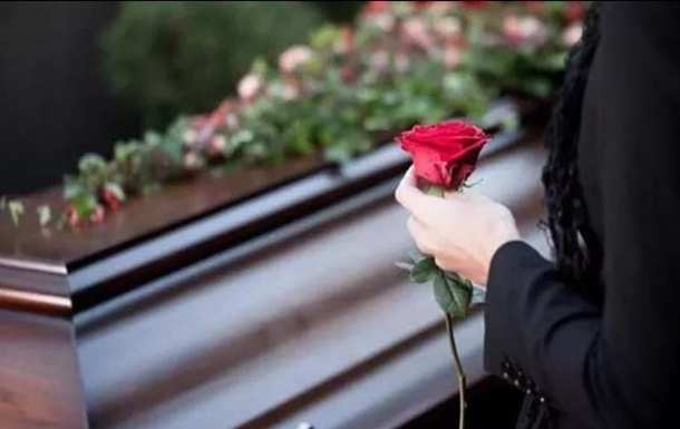 На Закарпатті сьогодні поховають 17-річного хлопця із села Вільховиця, життя якого забрав нещасний випадок