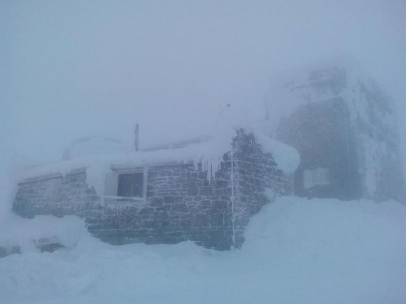 Хуртовина та мороз: на горі Піп Іван, що на Закарпатті, за 2 години різко погіршилася погода