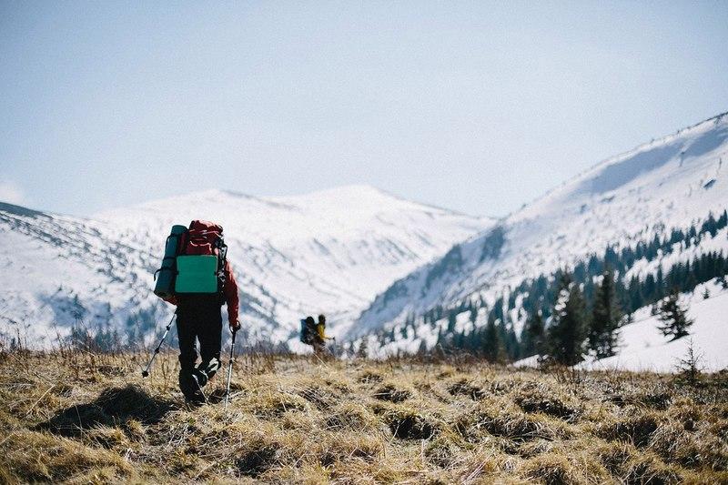 Прикарпатські рятувальники продовжують визволяти туристів, які піднімались на гору Піп Іван