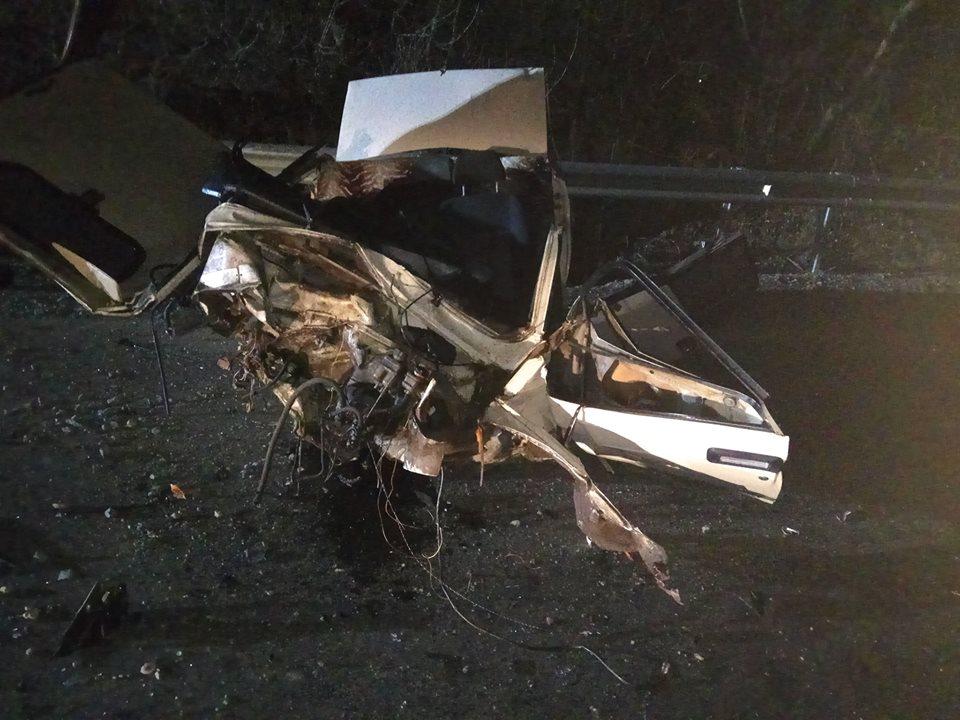 Із машини залишилася купа металобрухту: у поліції розповіли про смертельну аварію, яка сталася ввечері у Хусті