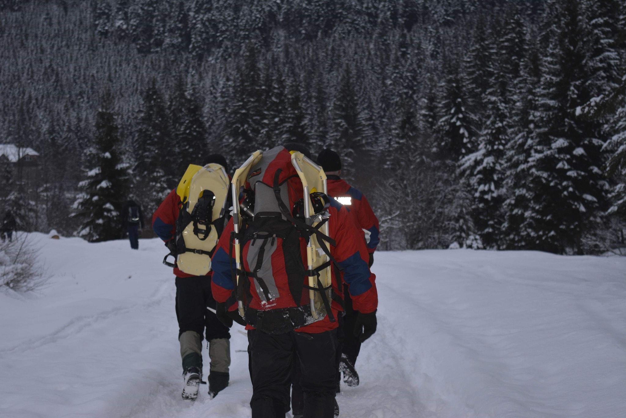 Закарпатські рятувальники знайшли туристів із Одеси, які потребували допомоги в райони Говерли