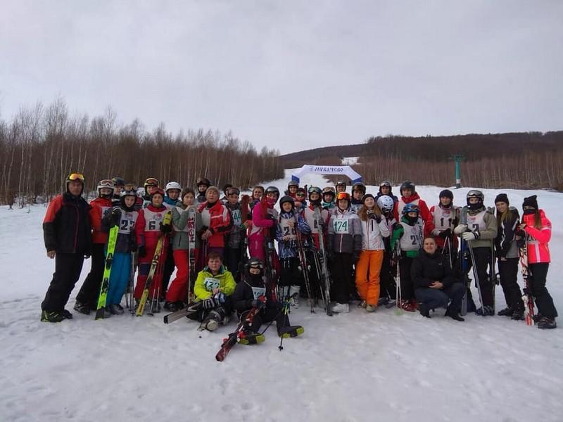 Відомі імена переможців фінальних змагань зі слалому серед школярів Мукачева