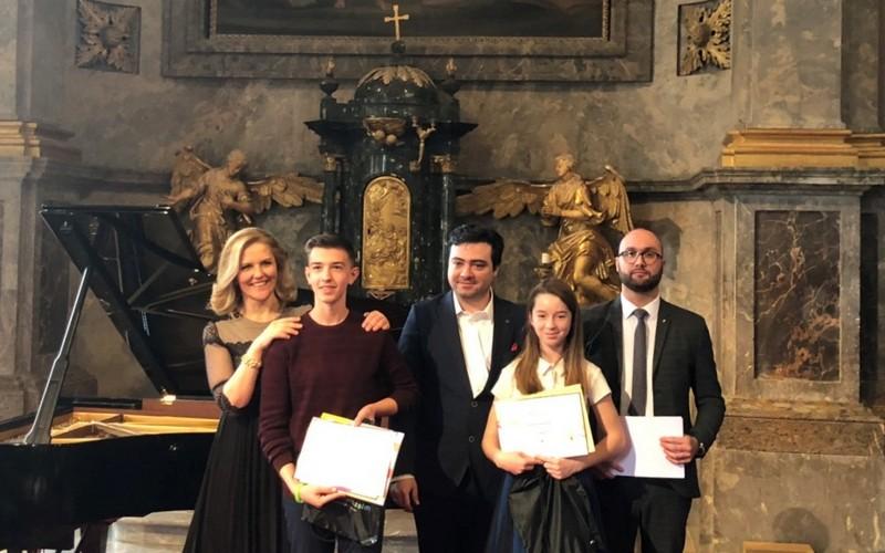 Юні ужгородці посіли перші місця на конкурсі з музичної майстерності в Угорщині