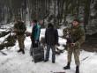 Двох чоловіків затримали за 50 метрів від кордону
