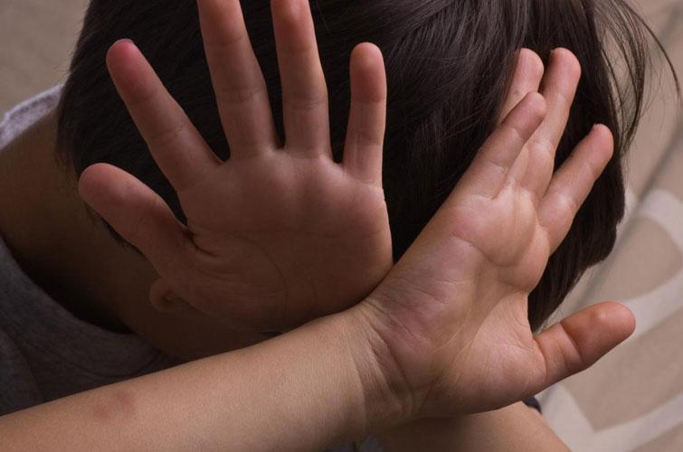 В Ужгороді жорстоко катували дитину. Пройшла 2 роки, а винуватці досі не покарані