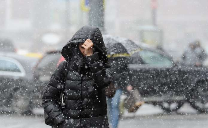На Закарпатті очікують сильні дощі, а в горах – сніг
