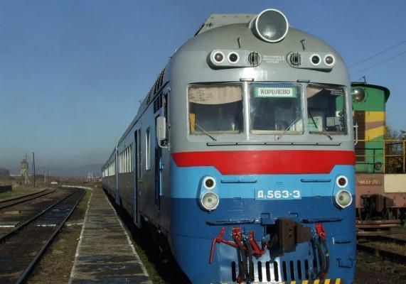 Закарпатців попереджають про зміни у розкладі руху приміських поїздів