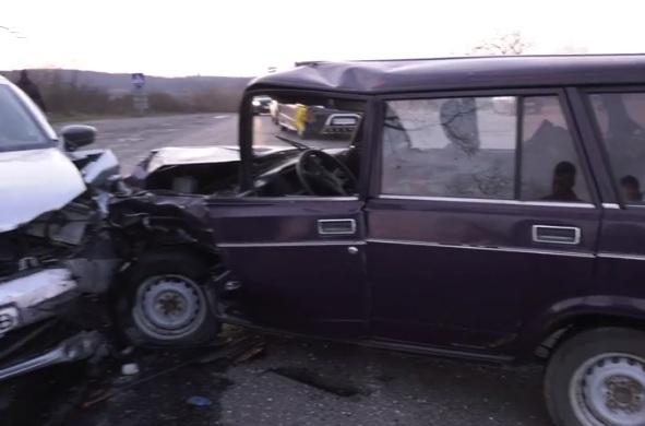 На Мукачівщині неподалік села Зубівка сталась ДТП: через нетверезого водія ледь не постраждали двоє дітей