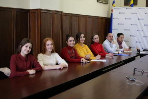 Мер Мукачева зустрівся зі школярами