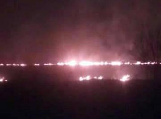 На Хустщині гасять пожежу, яка наблизилась до газогону