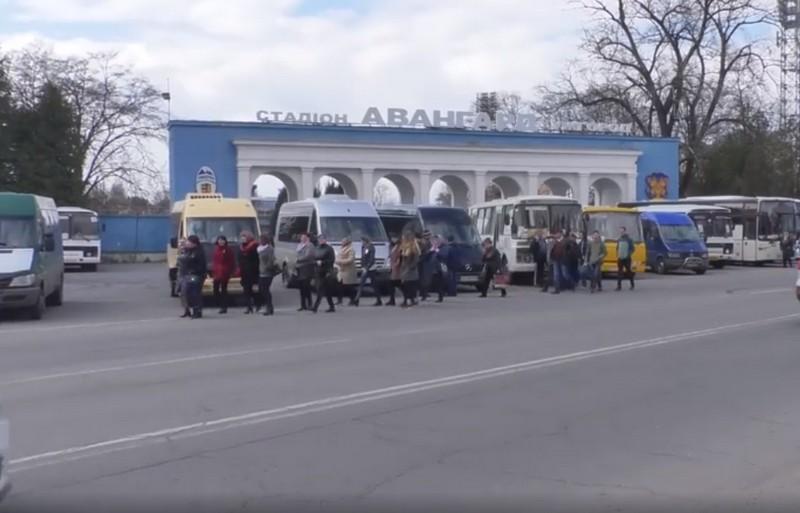 В Ужгород на зустріч із Юлією Тимошенко привезли людей із кількох районів
