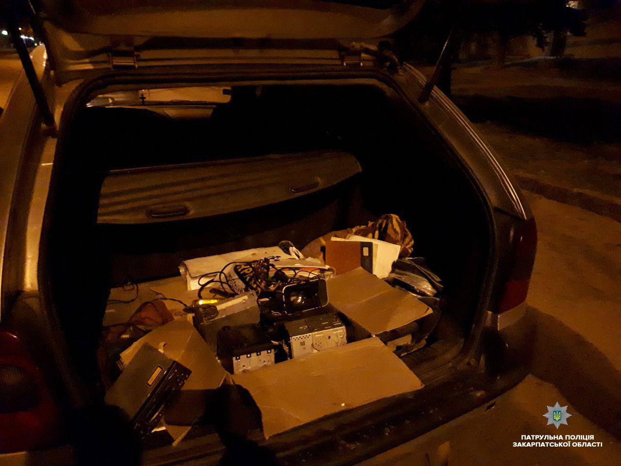 Цієї ночі патрульні затримали ймовірних крадіїв в Ужгороді