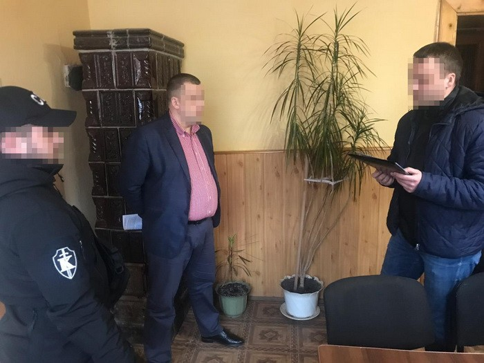 На Закарпатті СБУ викрила на хабарі суддю Рахівського районного суду