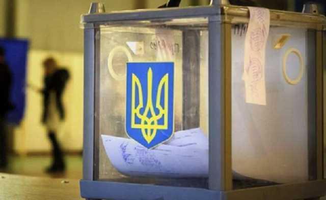 Члени виборчої комісії у селі Пузняківці на Мукачівщині були п'яні? Оприлюднено скандальне відео