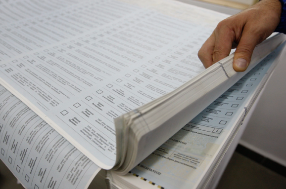 Хто перемагає у президентських виборах: перші дані екзит-полу
