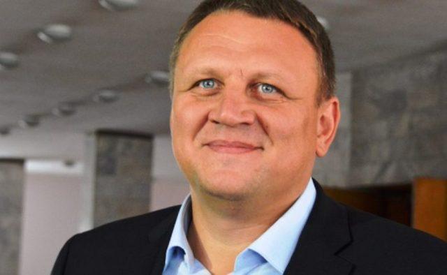 """""""Я буду молитися, щоб він виграв"""": Олександр Шевченко підтримує Зеленського"""