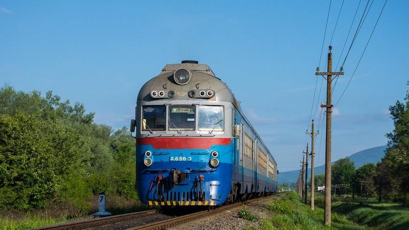 Закарпатців попереджають про тимчасові зміни руху поїздів 3-4 квітня