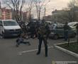 Мукачівець та двоє жителів Ужгорода вимагали у жінки 30 тисяч доларів