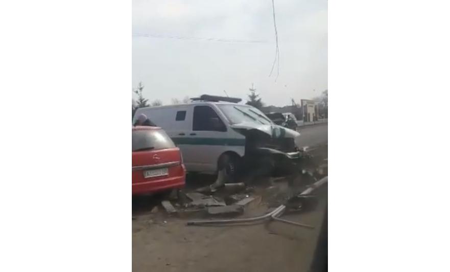 У Тячеві зіткнулись 5 автомобілів: відео