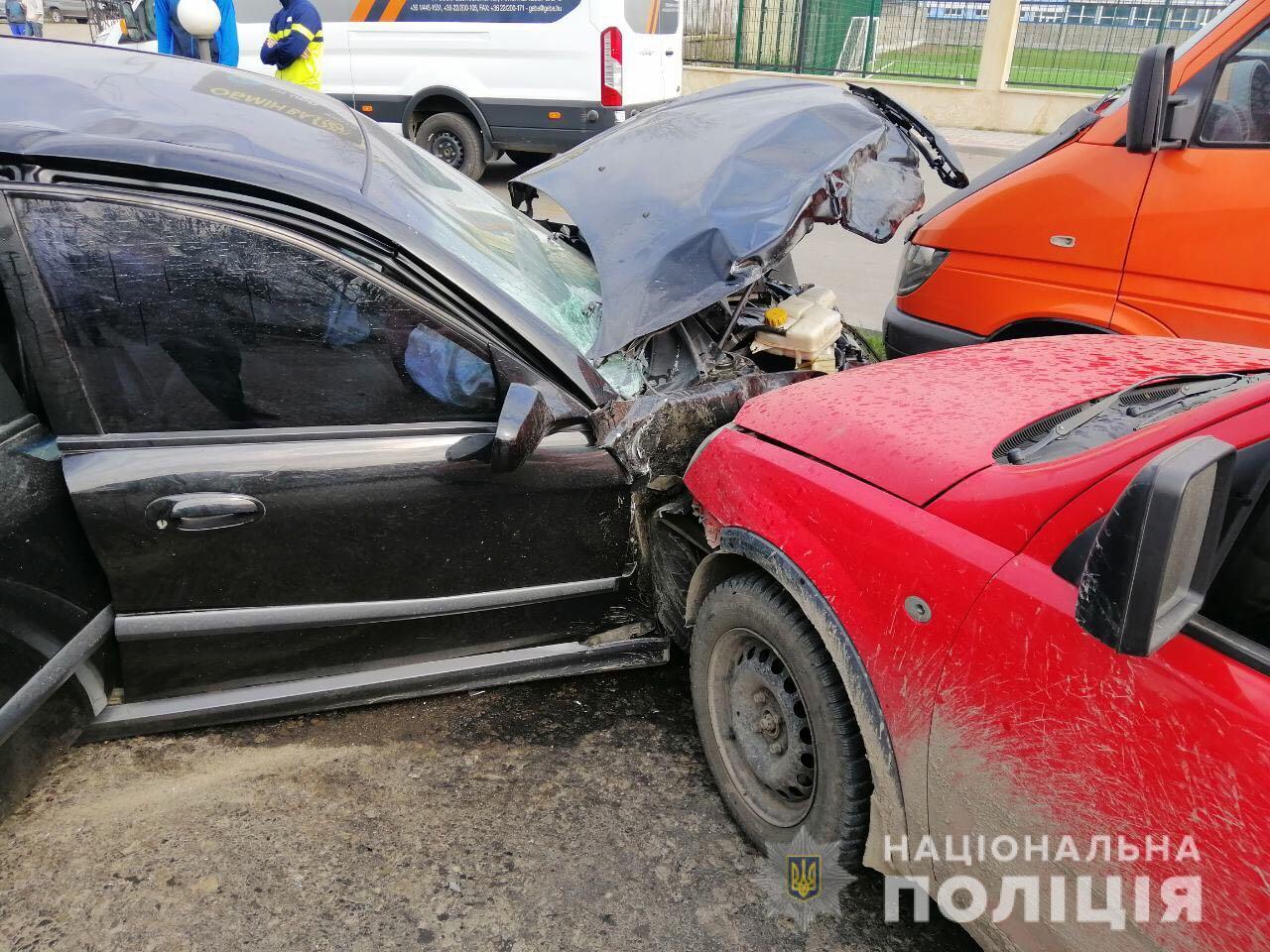 Поліція про масштабну ДТП на Закарпатті: у Тячеві зіткнулись п'ять автомобілів