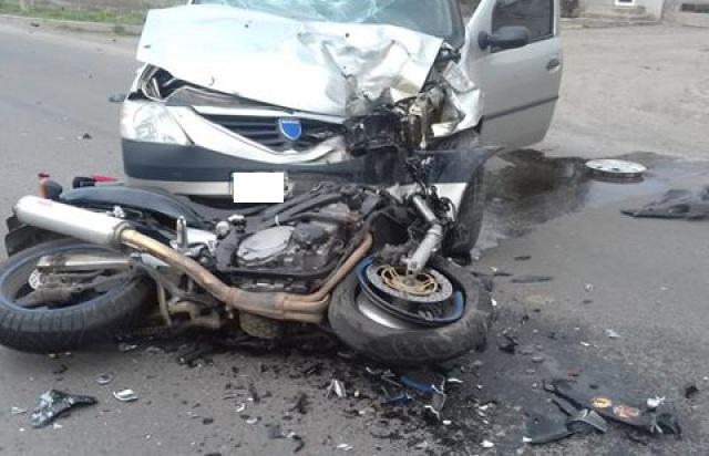 Моторошна ДТП у Мукачеві: під колеса автівки потрапив неповнолітній байкер