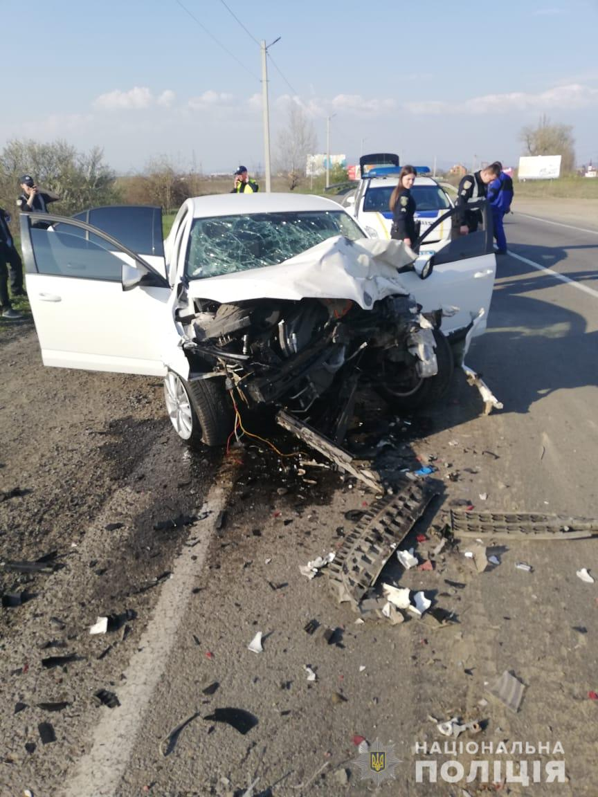 На Ужгородщині п'яний водій скоїв дві ДТП: збив пішохода і зіткнувся з вантажівкою