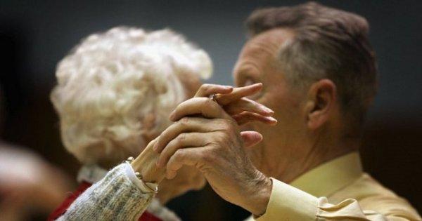 В Ужгороді регулярно проводять танце-терапію для пацієнтів із хворобою Паркінсона
