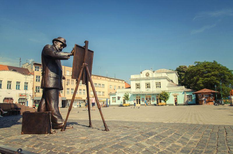 В Ужгороді візьмуться за реконструкцію площі Театральної та скверу Фенцика