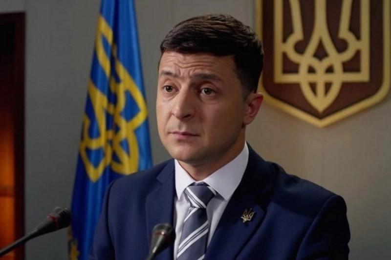 У штабі Зеленського пояснили, чому він кинув слухавку під час розмови з Порошенком на каналі 1+1