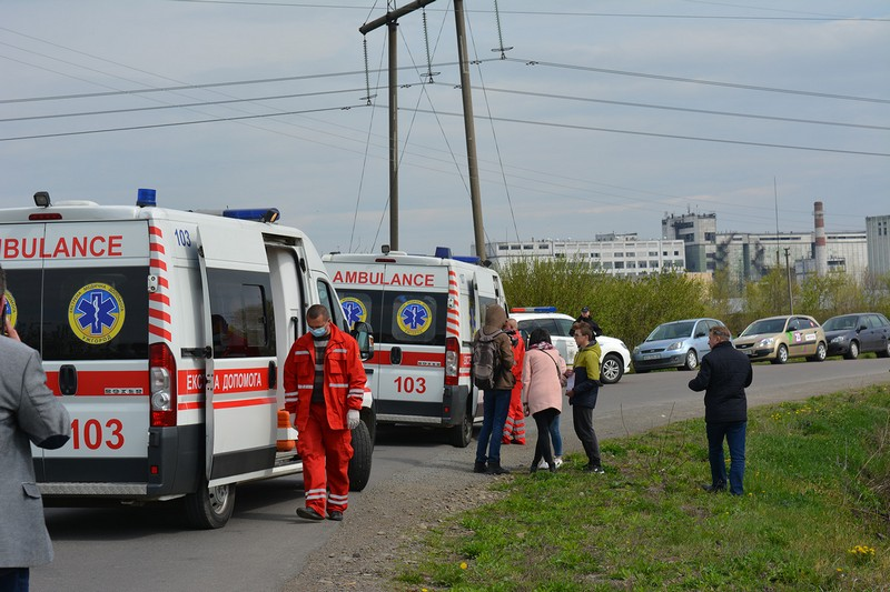 Шкільний автобус зіткнувся з трактором: рятувальники та медики провели спільні навчання на Ужгородщині