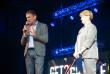 Роберт Горват нагородив засновницю та керівницю танцювальної студії «Бліц» Олену Камінську Грамотою Верховної Ради