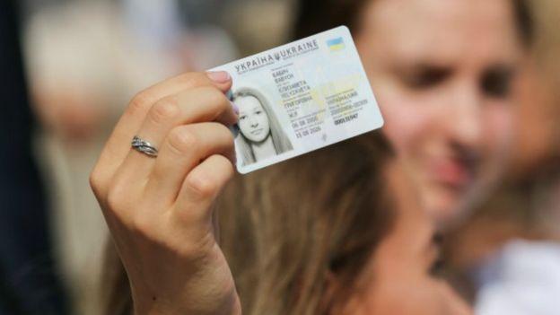 Населення може забрати свої  ID-картки і у день виборів, 21 квітня