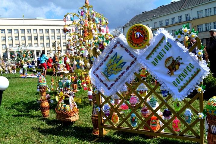 """18 квітня в Ужгороді відкриють традиційний фестиваль """"Воскресни, писанко!"""""""