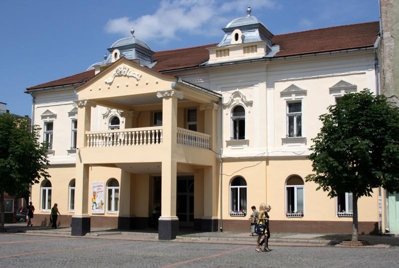 """Сьогодні у Мукачеві завершується театральний фестиваль """"Імпреза над Латорицею"""""""