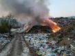У Рахові горіло сміттєзвалище