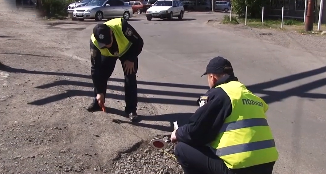 Поліція проводить інспекцію автошляхів Закарпаття