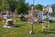 На головній площі Закарпаття розквітли писанками великодні дерева