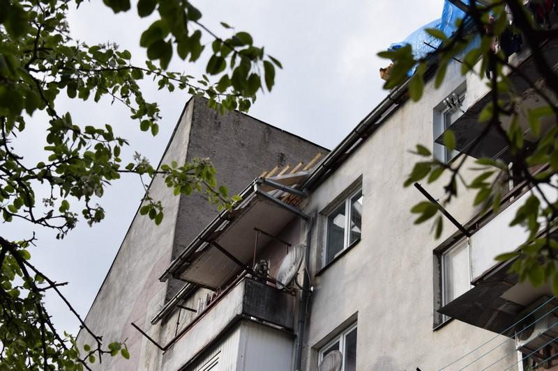 В Ужгороді починають капітальний ремонт даху однієї з багатоповерхівок на вулиці Оноківській