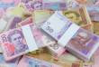 Скільки Порошенко і Зеленський витратили за тиждень на передвиборчу агітацію: вражаюча сума