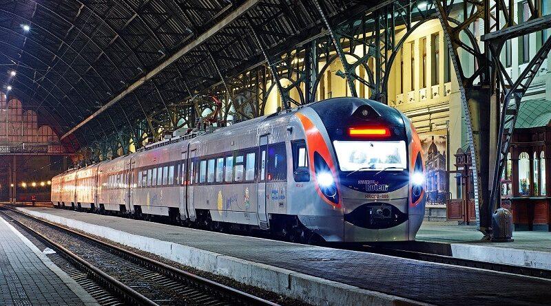 "Маршрут потяга ""Мукачево-Кошице"" продовжать до Праги"