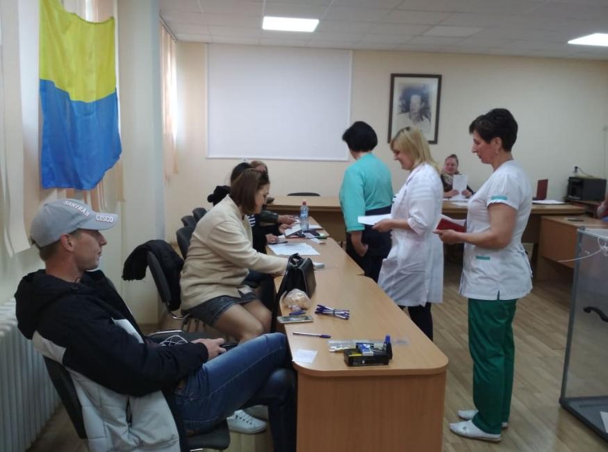 Голосування у пологовому Ужгорода