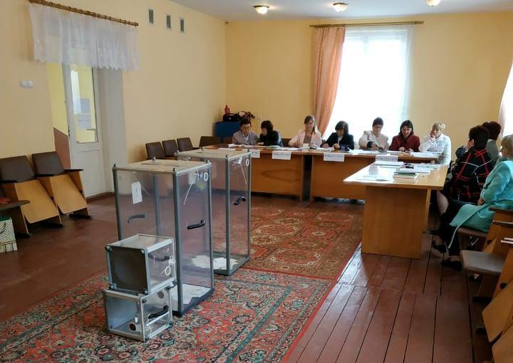 На одній із дільниць Закарпаття члени комісії проголосували раніше 8 години, – ОПОРА
