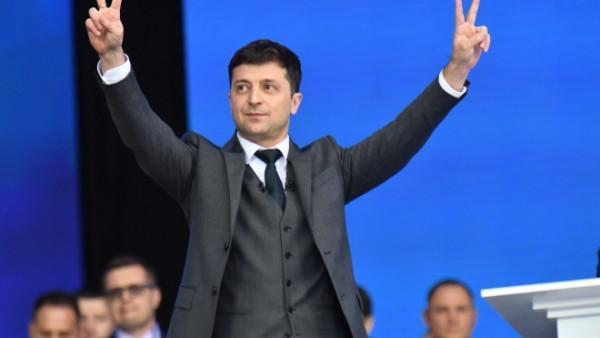 Зеленський прийшов голосувати: пряма трансляція