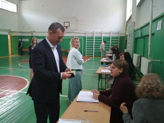 Мер Ужгорода Богдан Андріїв проголосував на виборах президента України