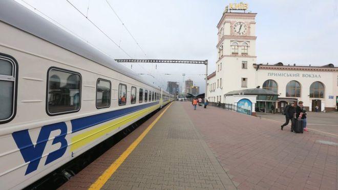 Львівська залізниця інформує про тимчасові зміни розкладу руху приміських поїздів