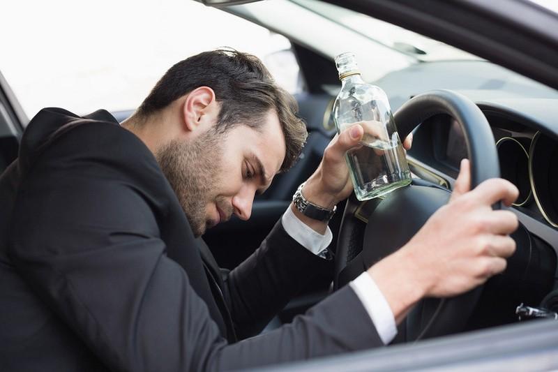 В Україні ввели кримінальну відповідальність за п'яне водіння і збільшили штрафи