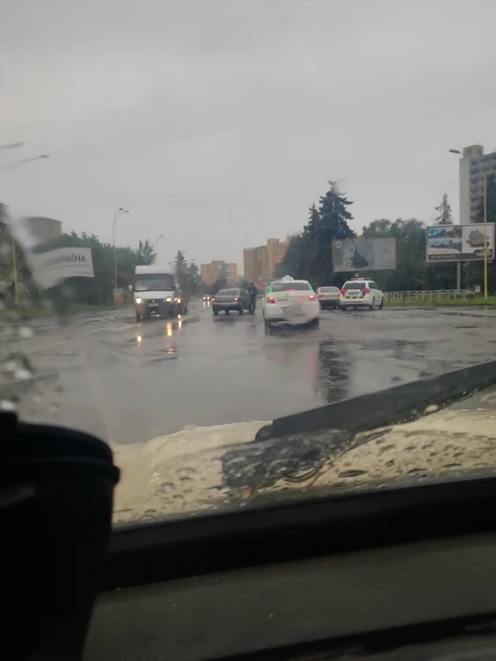 В Ужгороді у Великодню неділю сталась ДТП