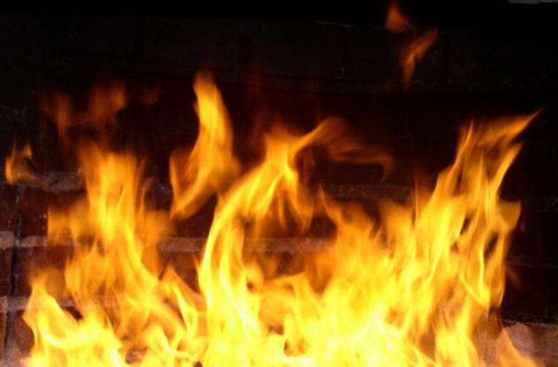 В Ужгороді на вулиці Грибоєдова ввечері спалахнула пожежа