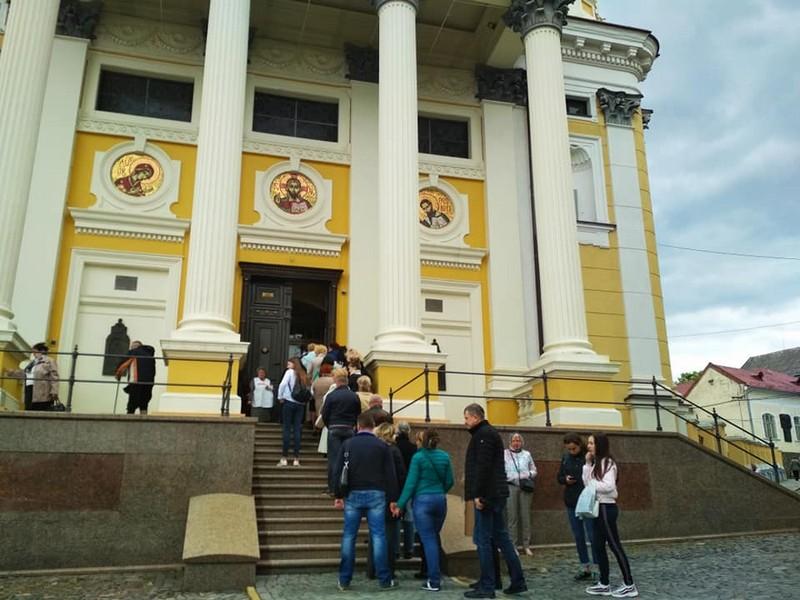 В Ужгород привезли мощі одного з найбільших святих XX століття – святого Шарбеля